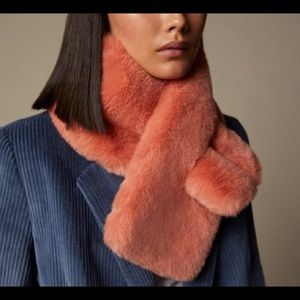 NWOT Love & Lore Coral Faux Fur Pull Through Scarf
